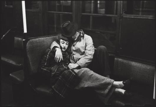 Stanley Kubrick New York Subway Young lovers 1947