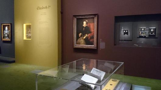 Les Tudors exhibition view Musée du Luxembourg Paris artdone
