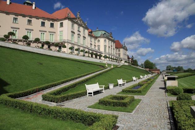 Zamek Krolewski w Warszawie od strony ogrodu Royal Castle in Warsaw from the Garden