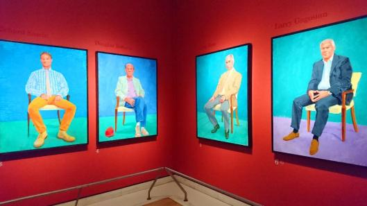 david-hockney-ra-82-portraits-and-1-still-life-exhibition-view-the-royal-academy-of-arts-london-artdone