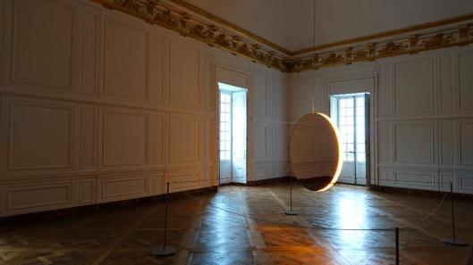 olafur-eliasson-solar-compression-2016-foto-artdone-palace-of-versailles-exhibition-view