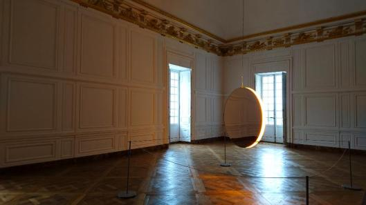 olafur-eliasson-solar-compression-2016-foto-artdone-palace-of-versailles-exhibition-view