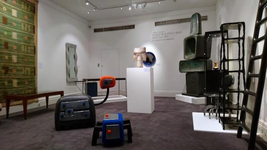 bowie-collector-exhibition-view-sothebys-artdone
