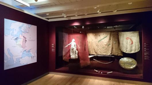 catherine-the-greatest-self-polished-diamond-of-the-hermitage-exhibition-view-hermitage-amsterdam-artdone