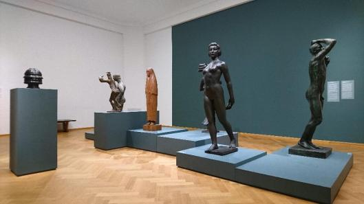 from-rodin-to-bourgeois-sculpture-in-the-20th-century-exhibition-view-gemeentemuseum-den-haag-the-hague-artdone