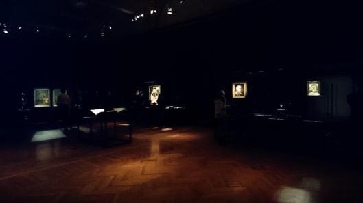 edmund-de-waal-meets-albrecht-durer-during-the-night-exhibition-view-vienna-kunsthistorisches-museum-khm-artdone