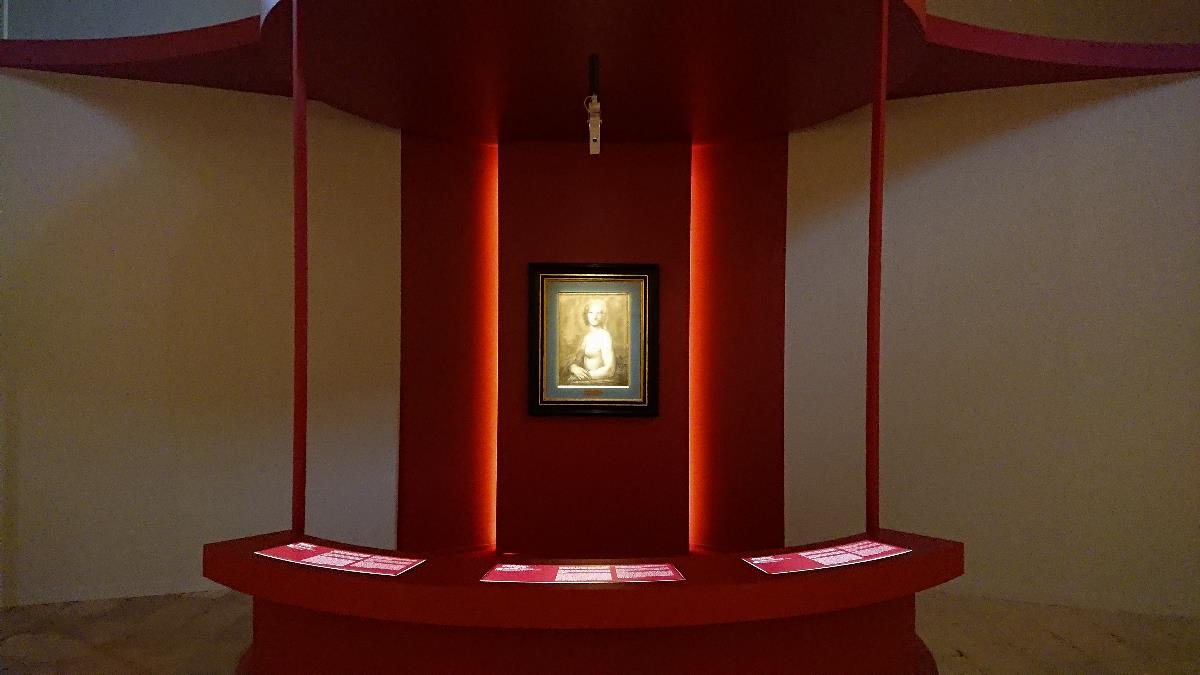 The nude Mona Lisa exhibition view 2019 Domaine de Chantilly Chantilly artdone